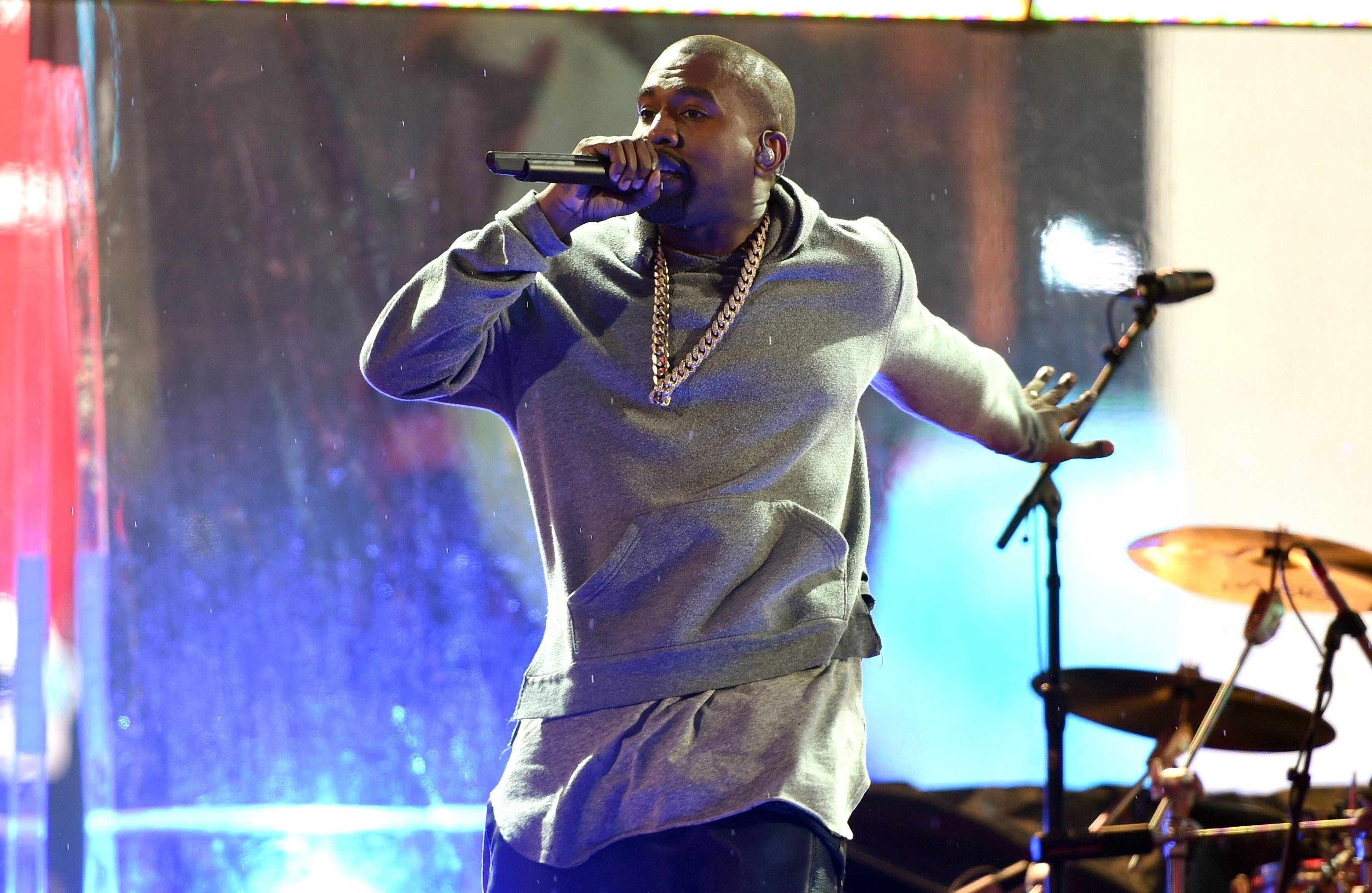Kanye West plănuiește să ducă corul religios Sunday Service într-un turneu mondial