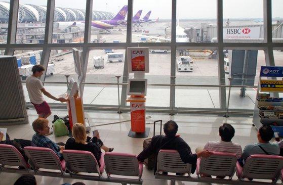 Black Friday pentru călătorii. Biletele de avion sunt mai ieftine cu până la 60%