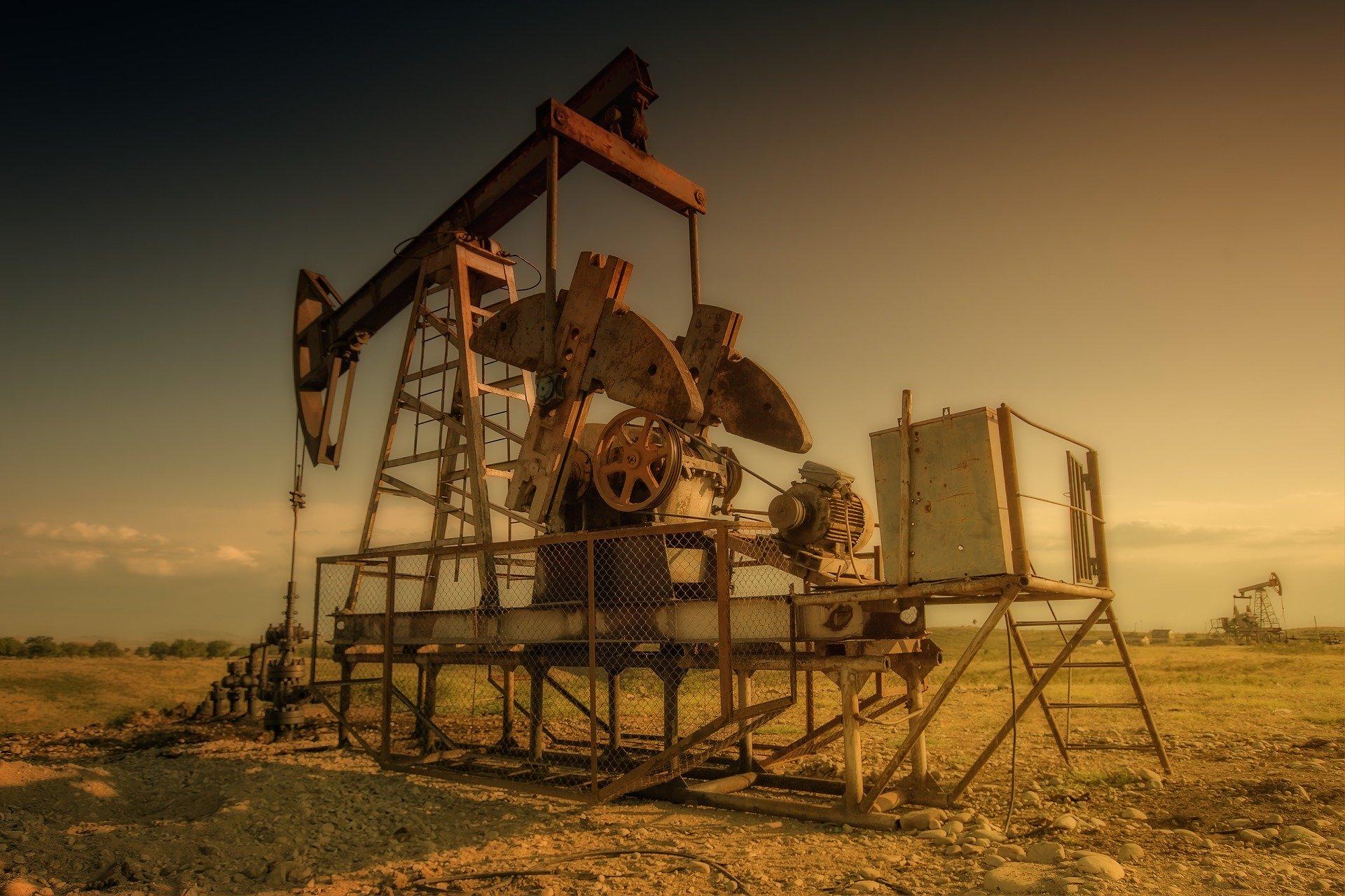 Coronavirusul taie drastic prețul petrolului