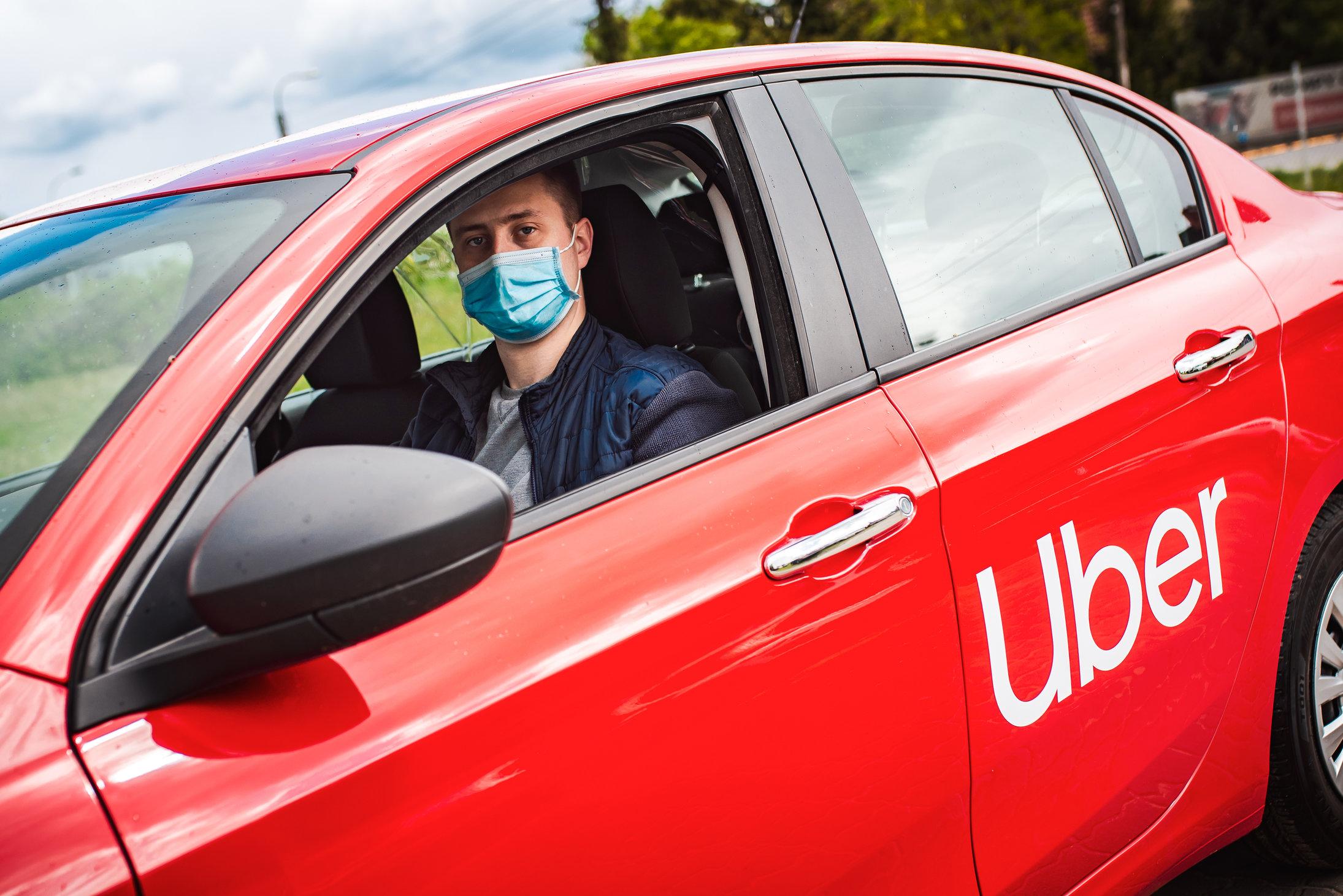 Uber implementează în România noi măsuri pentru protejarea șoferilor și clienților