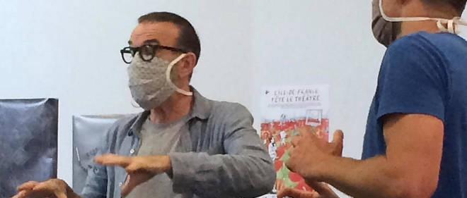 Teatru: puneți masca, fiți gata, jucați!
