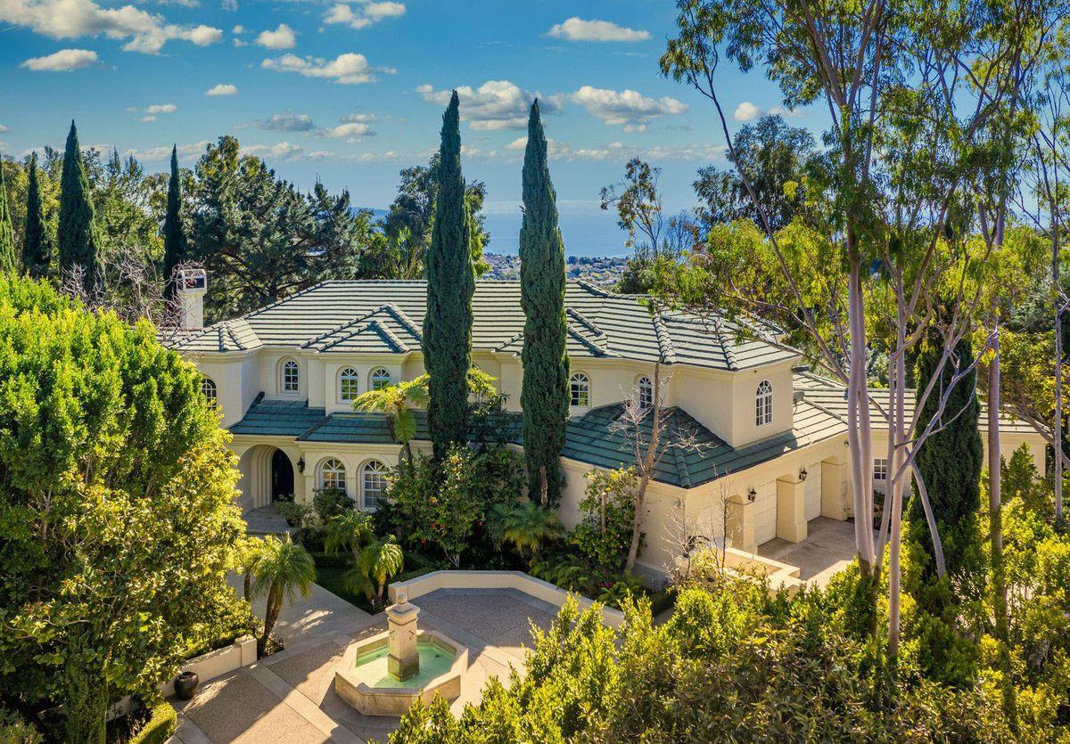 Printul Harry și Meghan Markle își cumpără o locuință de 13 milioane de dolari, în Los Angeles