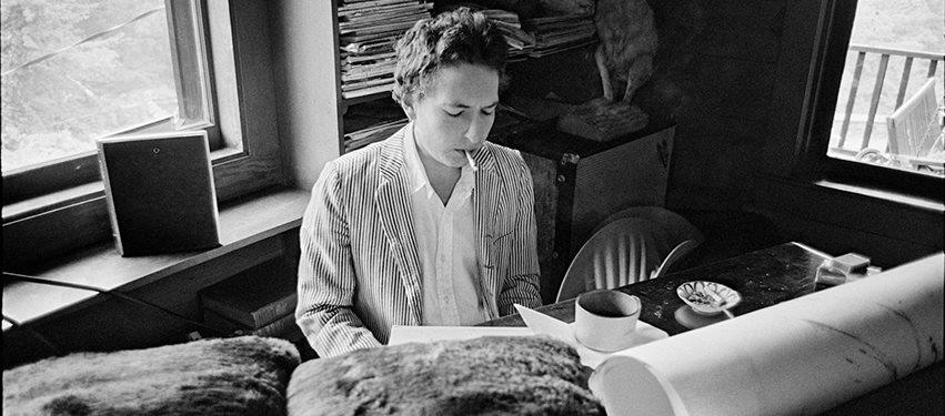 Bob Dylan face din nou istorie în topuri cu noul său album