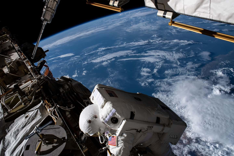 Un astronaut NASA și-a scăpat oglinda în spațiu