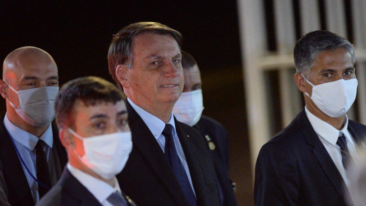 Președintele Braziliei, obligat prin ordin judecătoresc să poarte mască