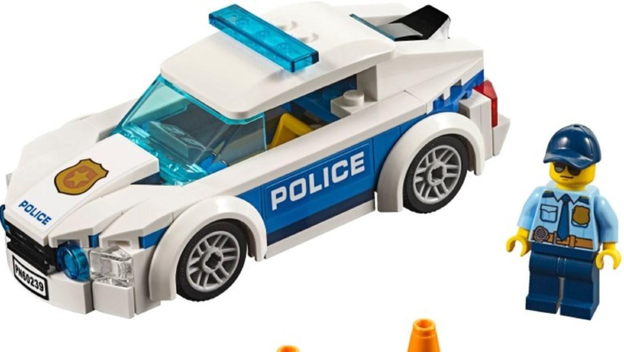 LEGO suspendă promovarea figurinelor care reprezintă Poliția și donează 4 milioane de dolari ONG-urilor