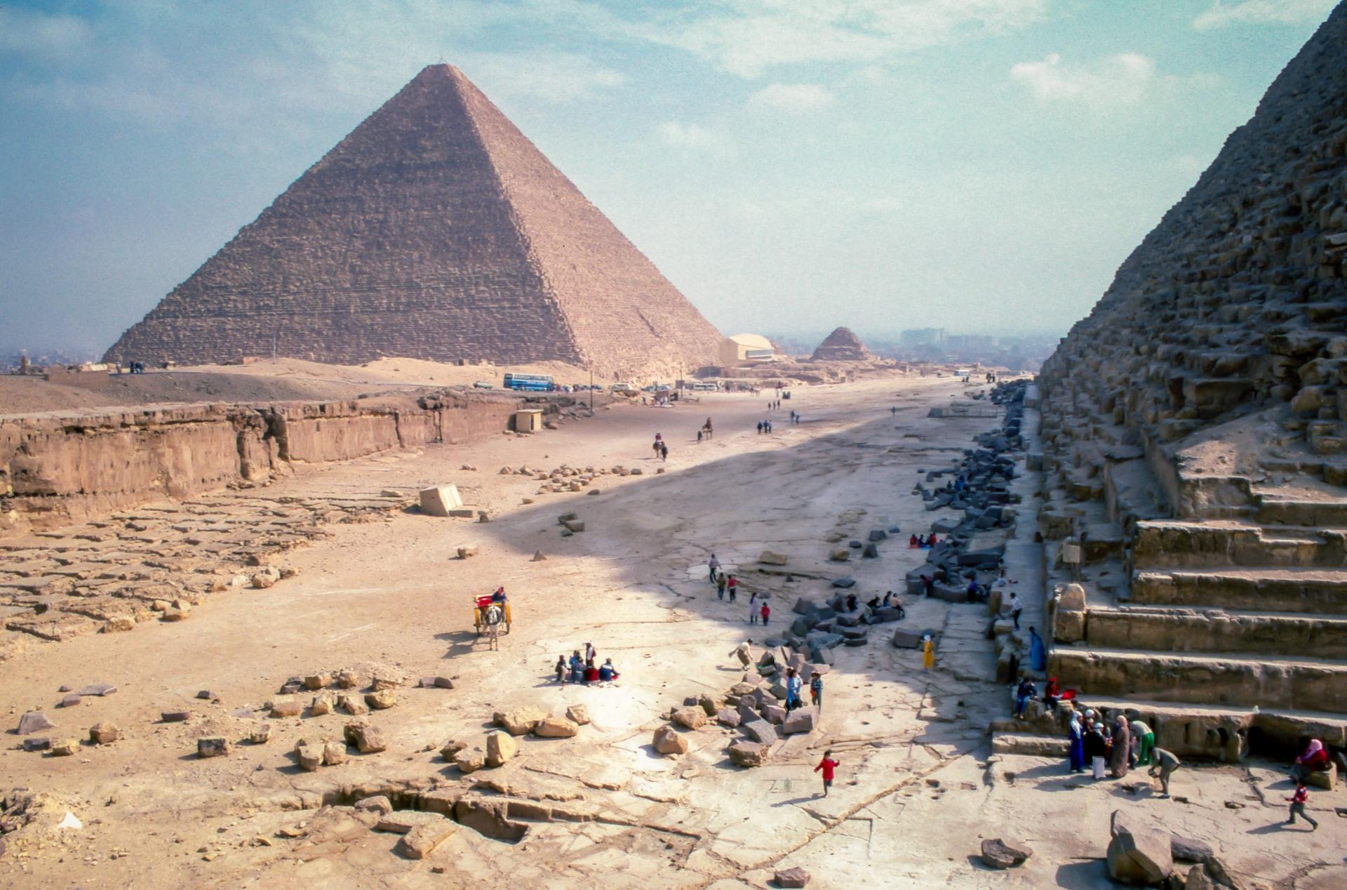 Black Lives Matter: Piramidele, noua țintă a activiștilor anti-rasism?