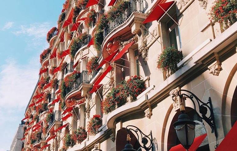 Paris: Hotelurile de 5 stele vor rămâne închise până în septembrie