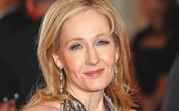 Câțiva autori părăsesc agenția lui J.K. Rowling în semn de protest, după declarațiile ei despre transsexuali