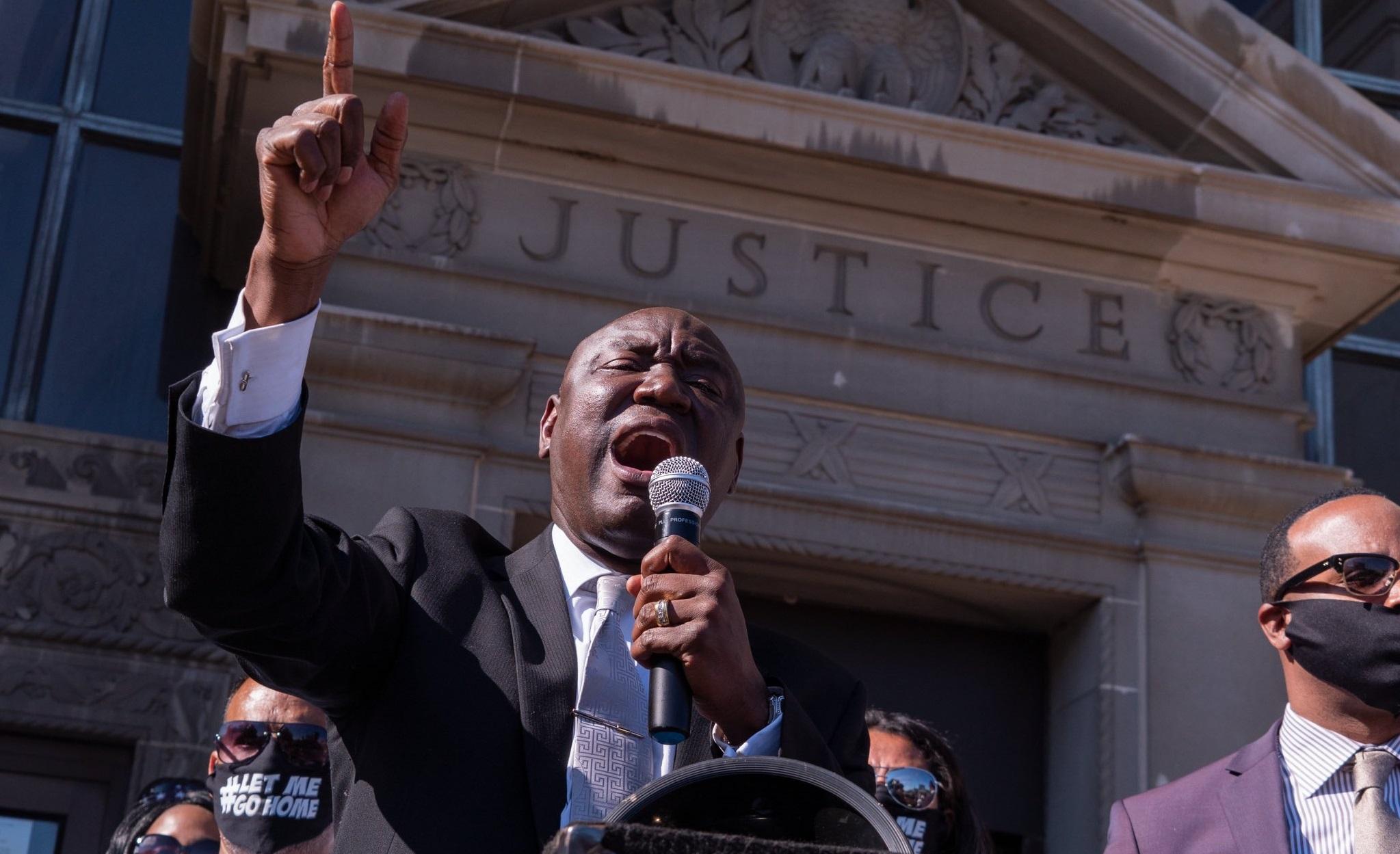 Familia lui George Floyd dă în judecată orașul Minneapolis