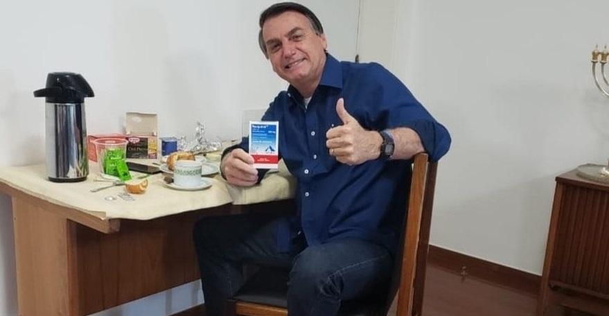 Bolsonaro anunță că nu mai este infectat și spune că hidroxiclorochina l-a vindecat
