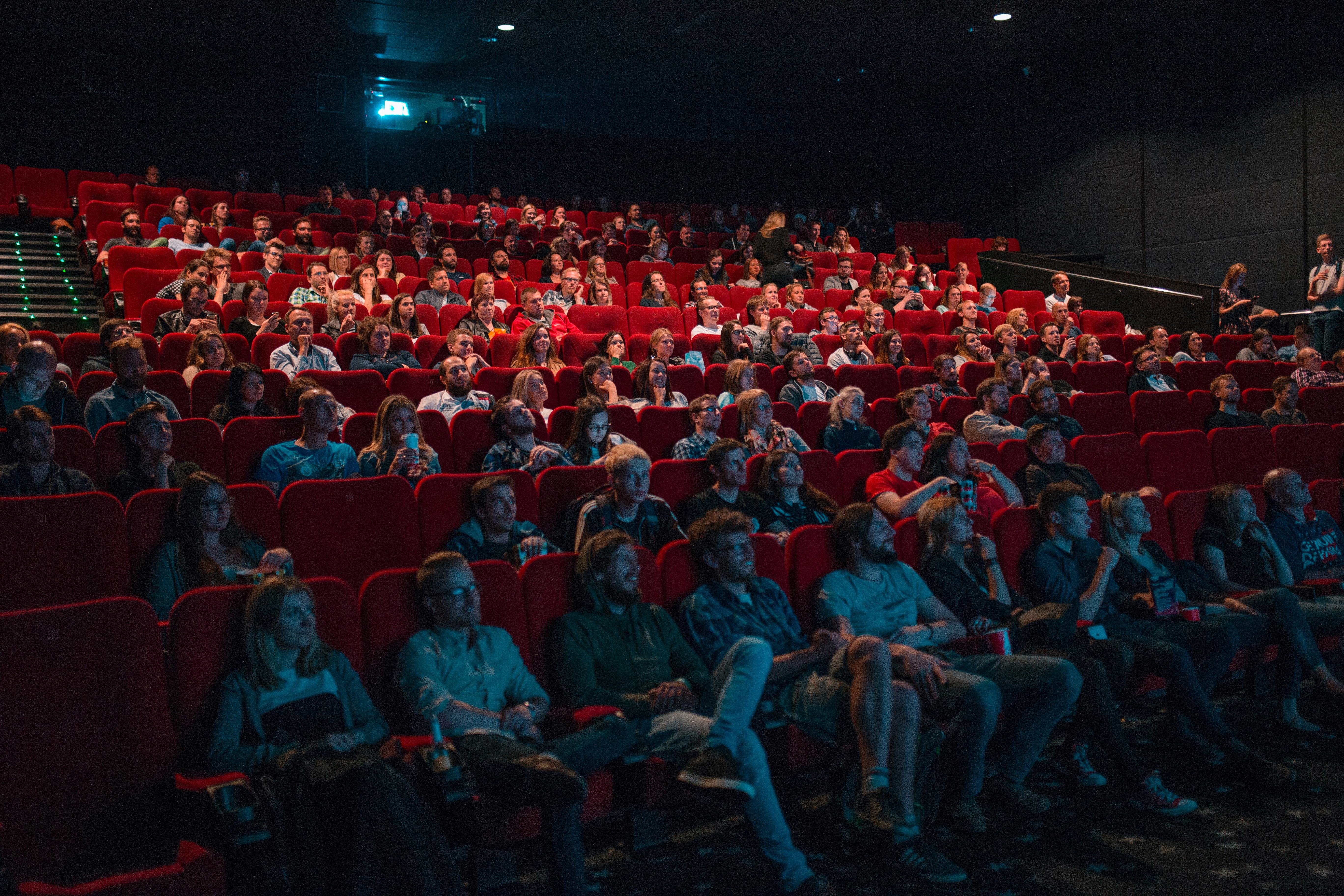 Super filme, super amânate: Avatar 2 și Matrix 4, printre lansările afectate de pandemie