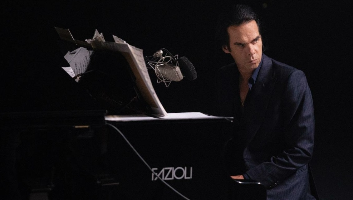"""Muzicianul Nick Cave își dorește un pian Fazioli, dar italienii n-au auzit de el: """"Cine-i ăsta, un actor?"""""""