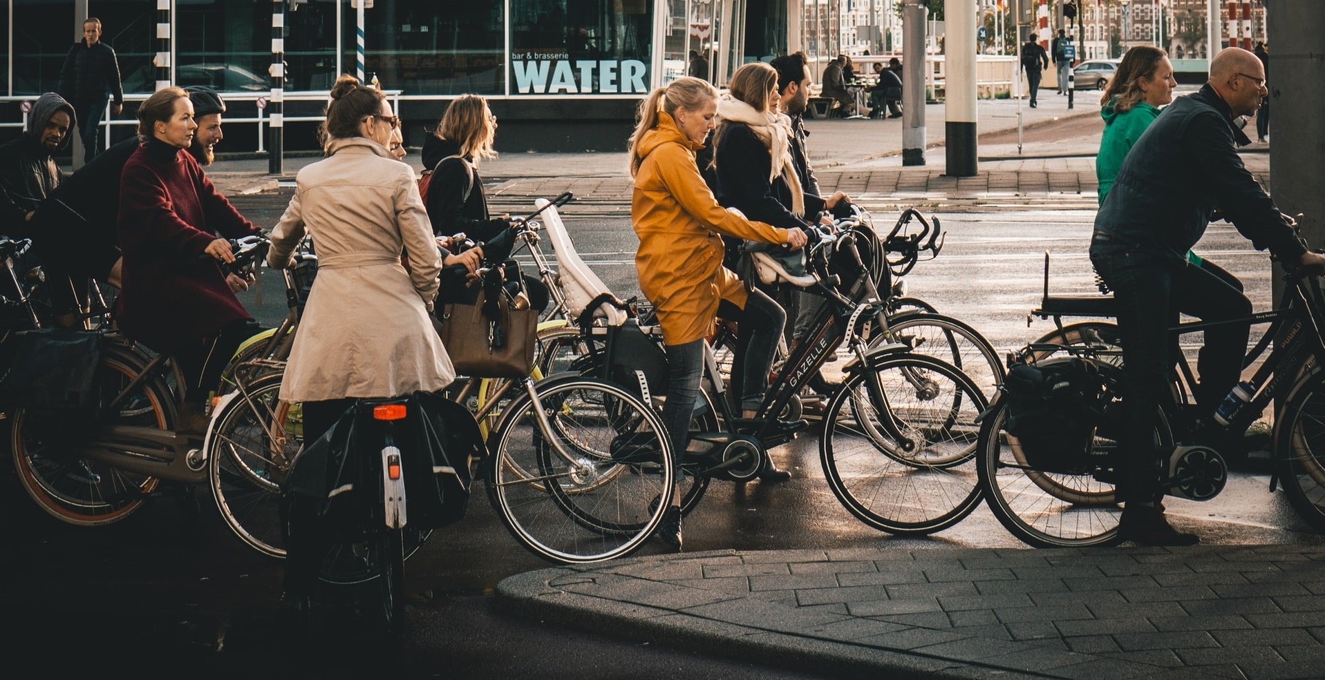 Guvernul olandez nu recomandă cetățenilor să poarte mască