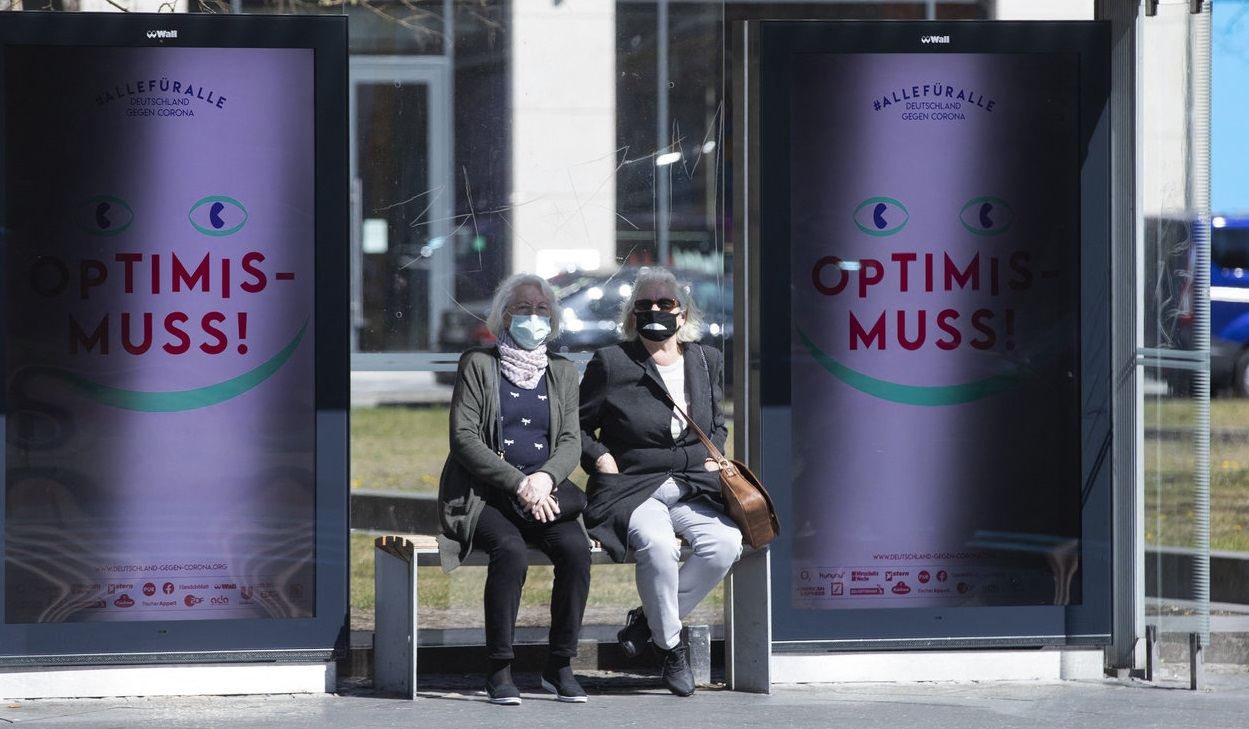 """Berlin: Cum să determini cetățenii să poarte mască.""""Nu mai folosiți deodorant"""""""