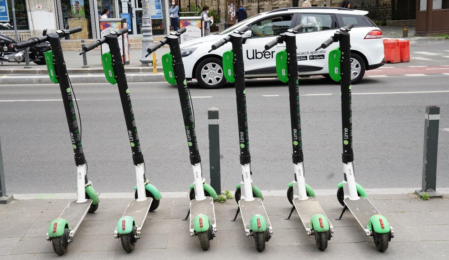 Din 2 iulie poți închiria trotinetele electrice Lime direct din aplicația Uber