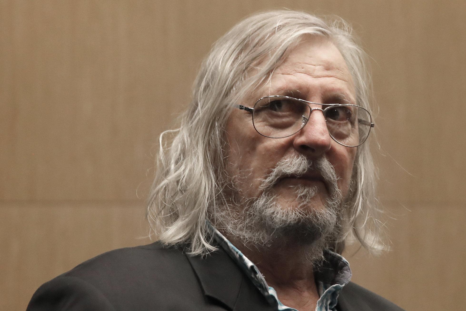 """Măsurile sanitare împotriva Covid-19 sunt """"total ineficiente"""", susține prof. Didier Raoult"""