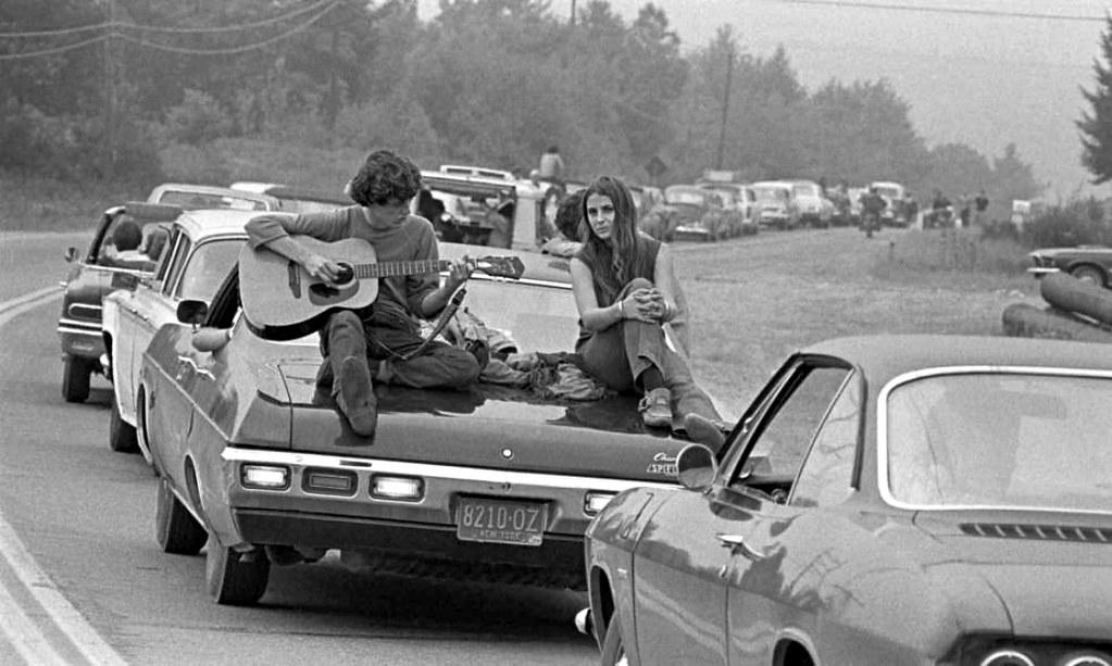 15 august, 1969. Woodstock, libertate, festival, 300.000 de spectatori și… epidemie