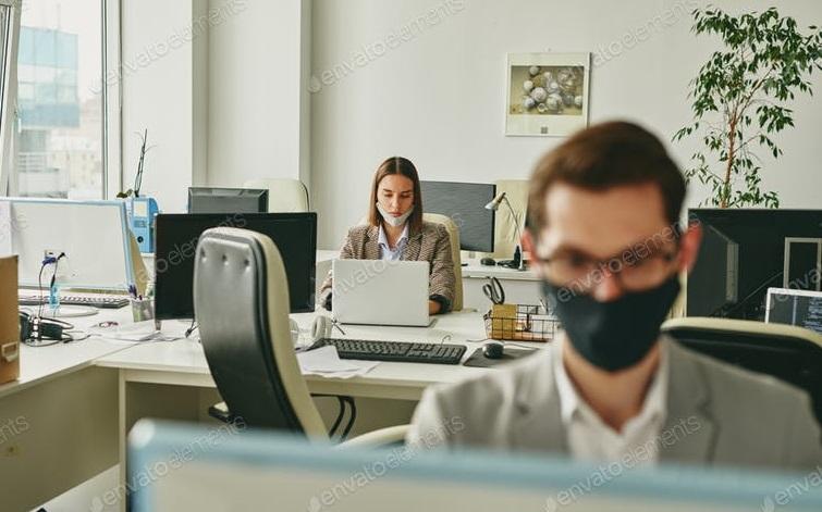 Franța| 26% dintre angajați nu vor să respecte obligația de a purta mască