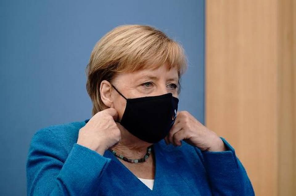 """Merkel avertizează: lupta împotriva coronavirusului va deveni """"și mai dificilă"""" în lunile următoare"""