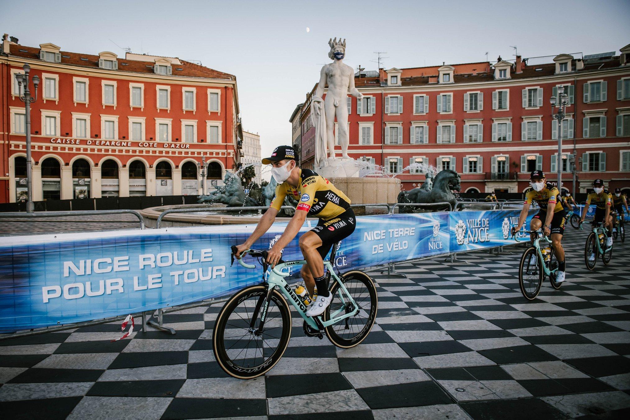 Turul Franței a început cu teamă, adrenalină și umor