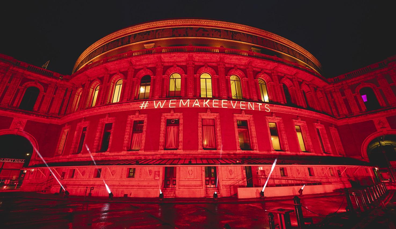 Spațiile culturale din Anglia au aprins luminile roșii, în semn de protest împotriva restricțiilor