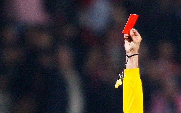 Anglia| Meciurile de fotbal s-au schimbat. Cartonaș roșu pentru tușit