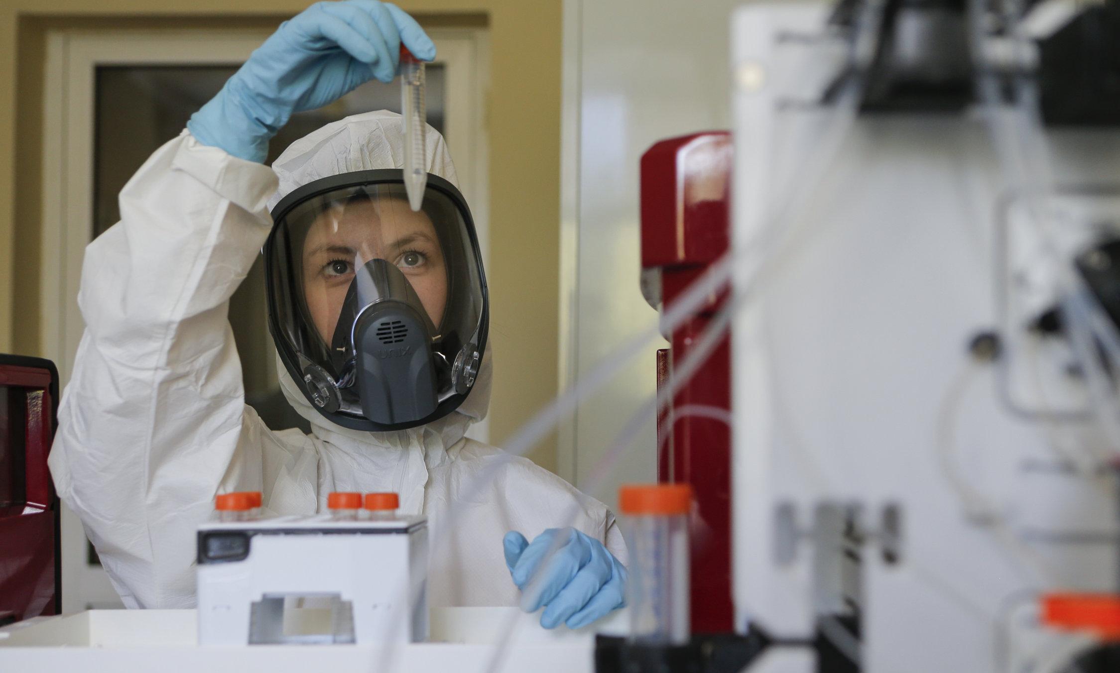 """Rușii au dezvoltat vaccinul Covid-19 în șase ani. """"Scepticilor le urăm succes în a le dezvolta pe ale lor"""""""