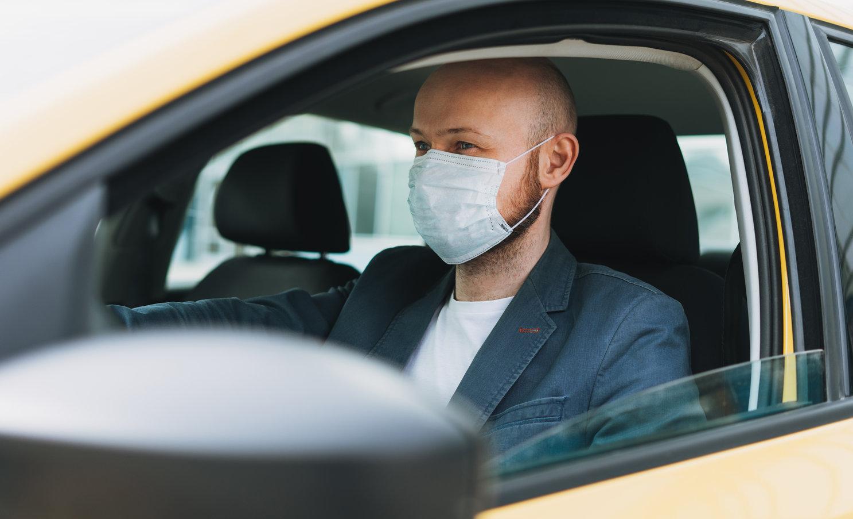 Paris  Obligația de a purta mască este valabilă și dacă circuli cu mașina, scuterul sau bicicleta