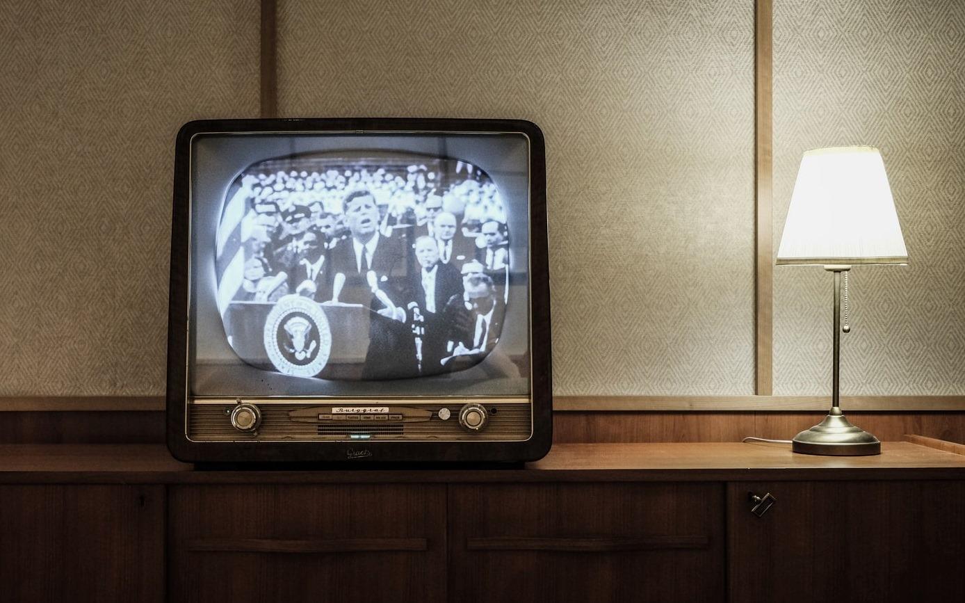 Și-a lăsat tot satul fără semnal timp de un an și jumătate, din cauza unui televizor vechi