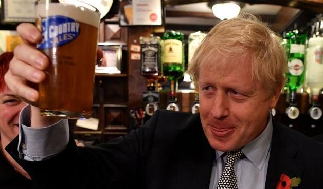 Marea Britanie| Se închid barurile, dar nu pentru toată lumea. Cele din Parlament rămân deschise