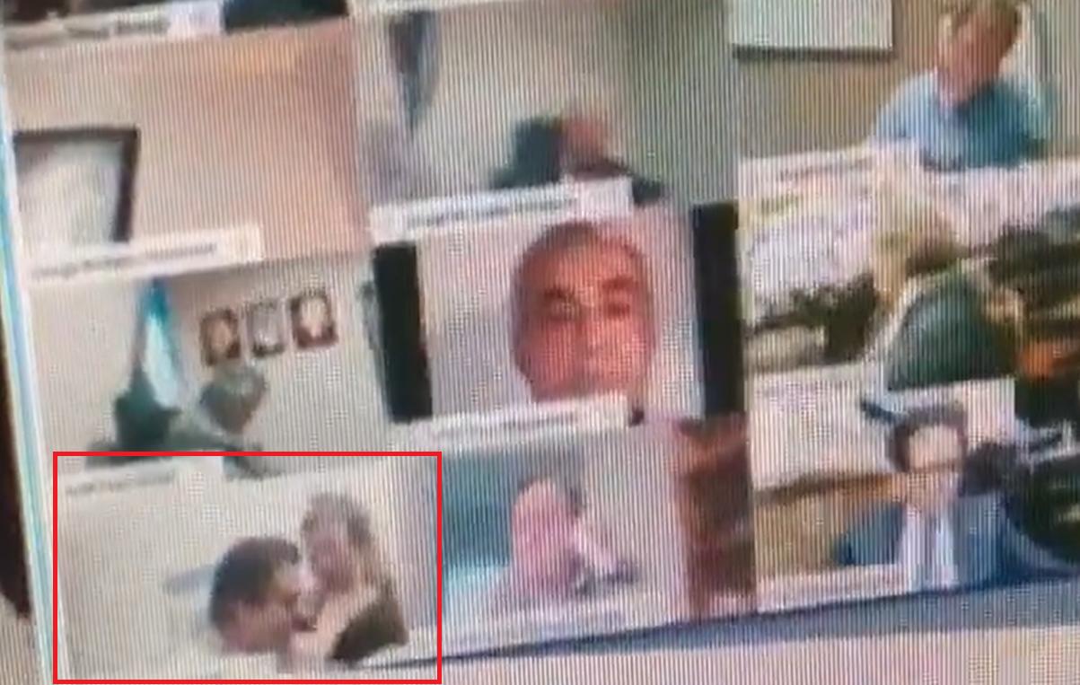 """VIDEO  Un deputat își sărută iubita pe sâni în timpul unei videoconferințe oficiale. """"Voiam să-i verific implanturile"""""""