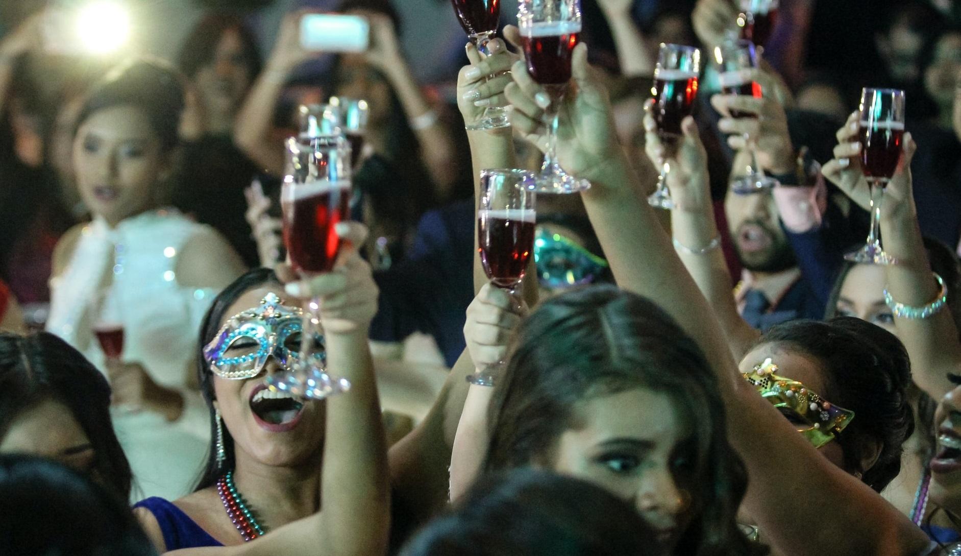 De neuitat| 10.000 de euro amendă pentru o petrecere la domiciliu, cu 50 de participanți