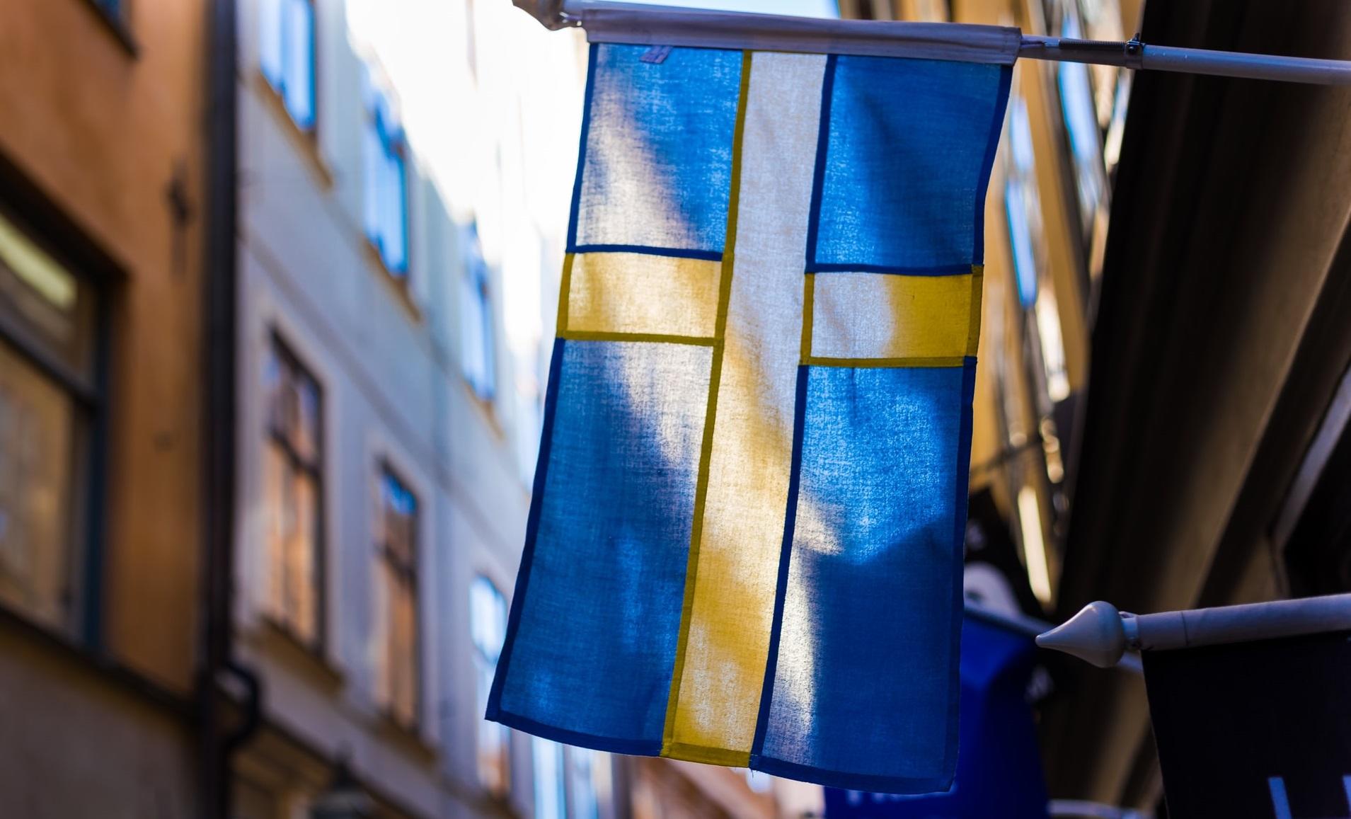 Suedia continuă să relaxeze restricțiile, în timp ce restul țărilor europene le înăspresc