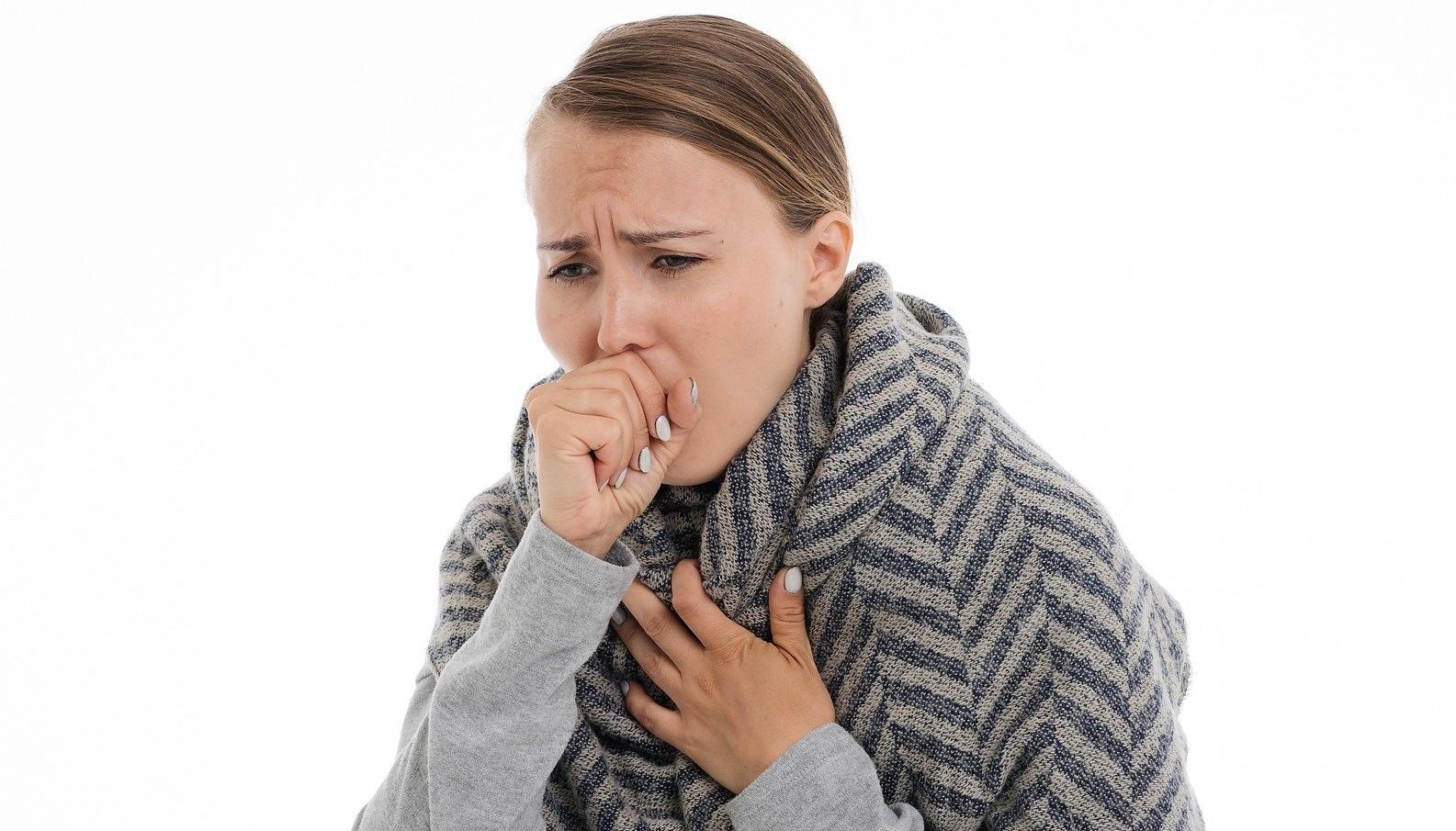 Cum deosebești gripa de Covid. Simptome similare, efecte diferite