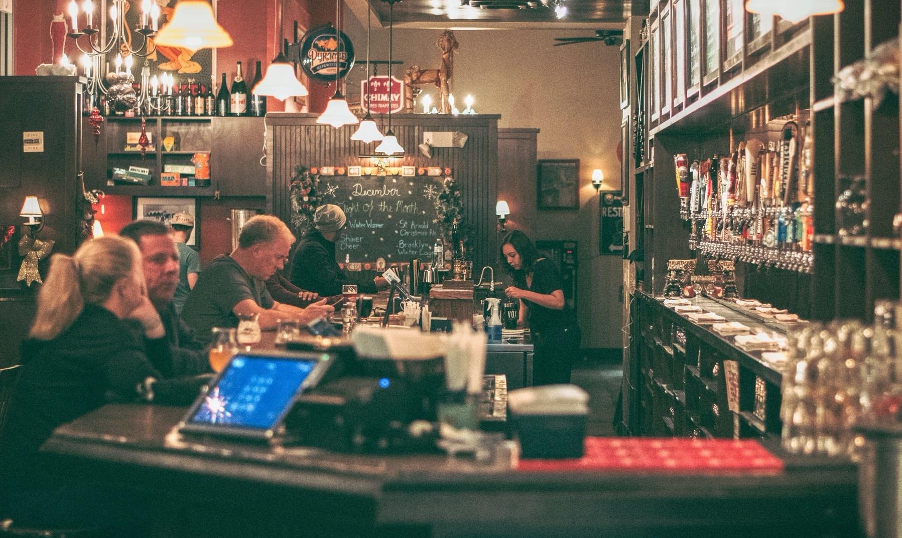 După Berlin, un alt oraș european elimină restricțiile privind barurile și restaurantele. Instanța din Toulouse a suspendat decretul