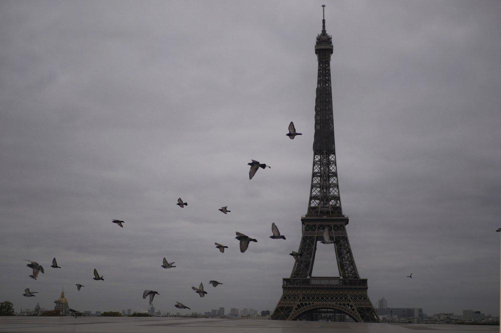 GALERIE FOTO| Paris, la al doilea blocaj. Străzile sunt din nou pustii, cetățenii blocați în case