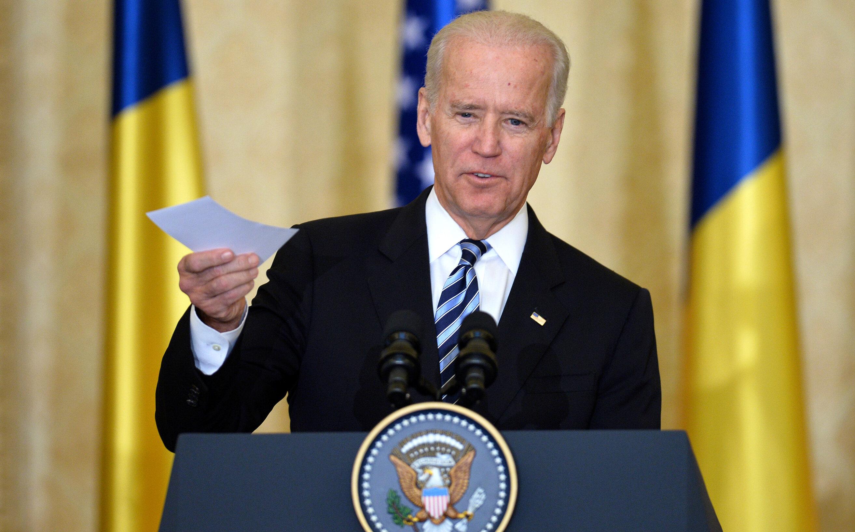 """""""Vor apărea informații despre banii pe care Biden i-a luat din România"""", susține șeful de cabinet al lui Trump"""