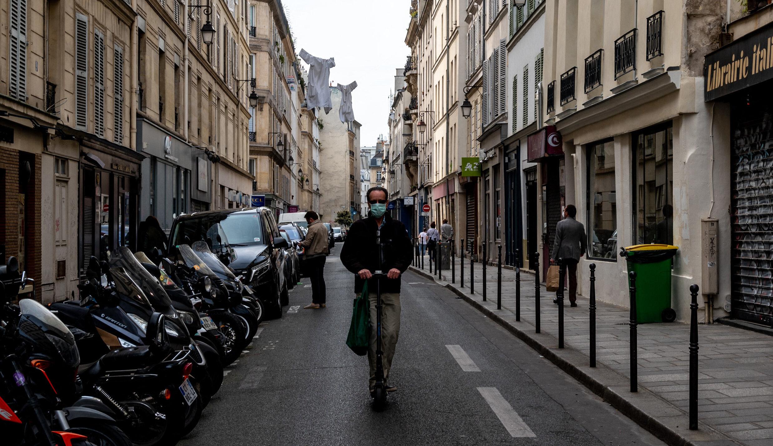 Franța| Toți indicatorii epidemici cresc brusc după 30 septembrie. Oficialii nu oferă explicații