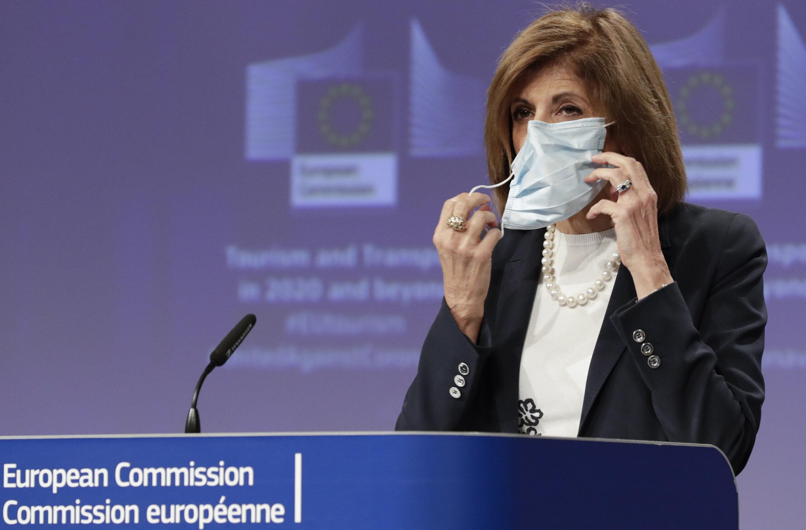 """Comisia Europeană solicită statelor membre să """"evite cu orice preț izolarea generalizată"""". Efectele ar fi devastatoare"""