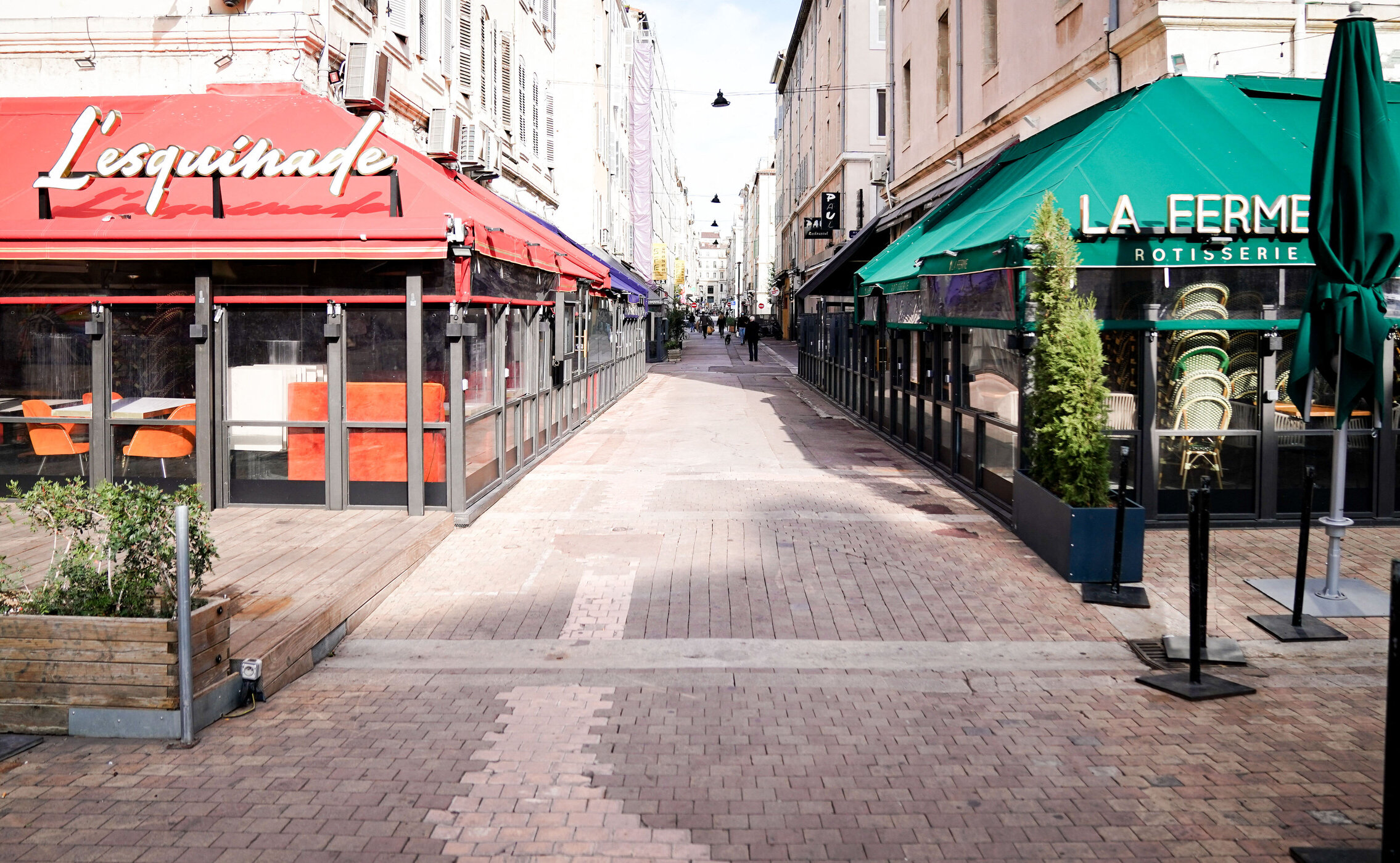 Nu există dovezi științifice care să explice închiderea restaurantelor, barurilor, cafenelelor