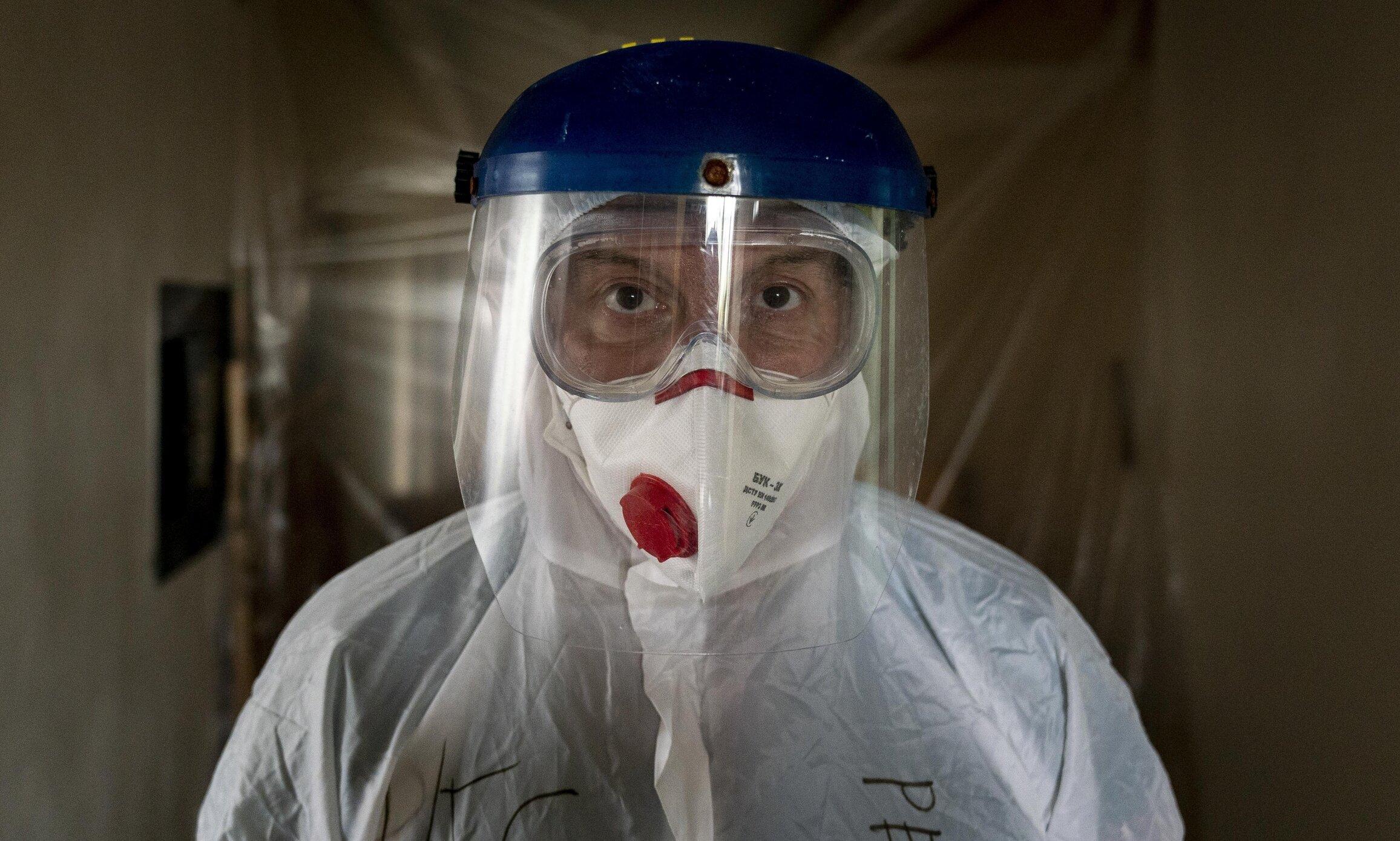Adevăratul virus| Unii cetățeni aleg dorința de a supraviețui în fața celei de a trăi, renunțând la libertate de bunăvoie