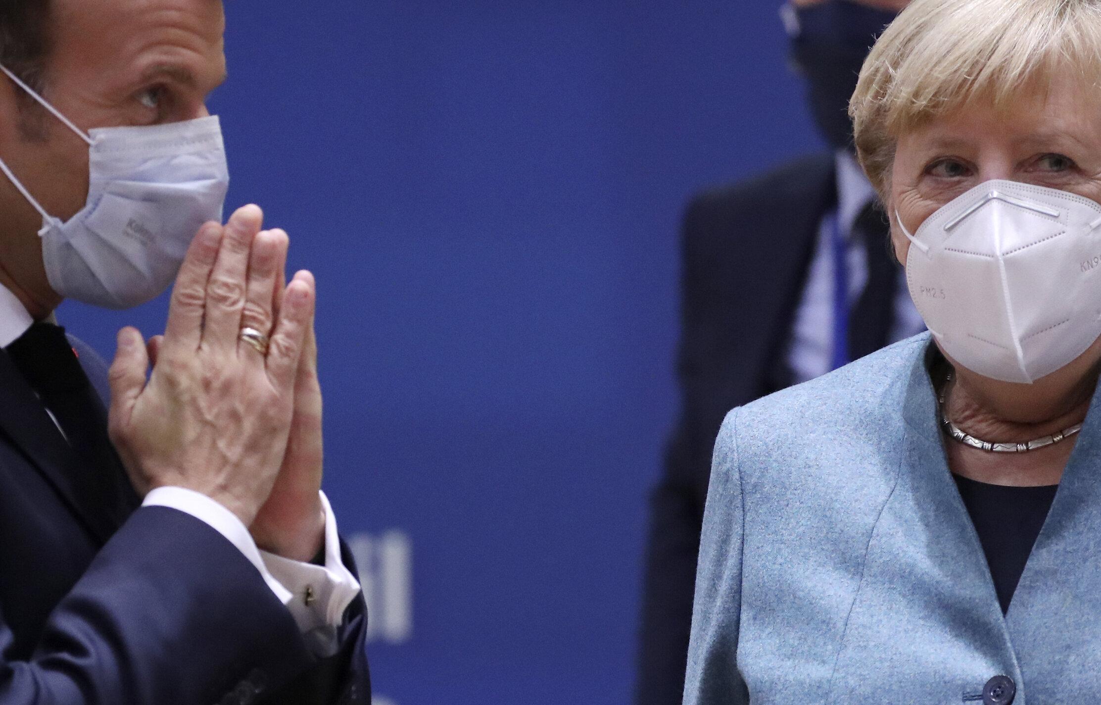 """Germania și Franța anunță astăzi noi restricții. Merkel vrea o """"izolare ușoară"""""""