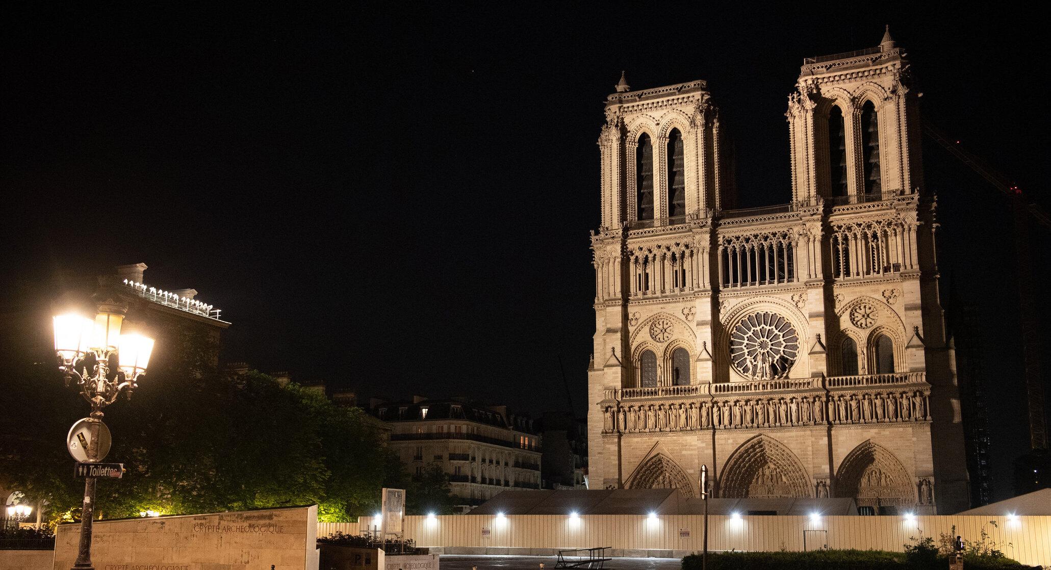 Primul concert de Crăciun organizat la Notre-Dame de Paris, după incendiul care a devastat parțial clădirea
