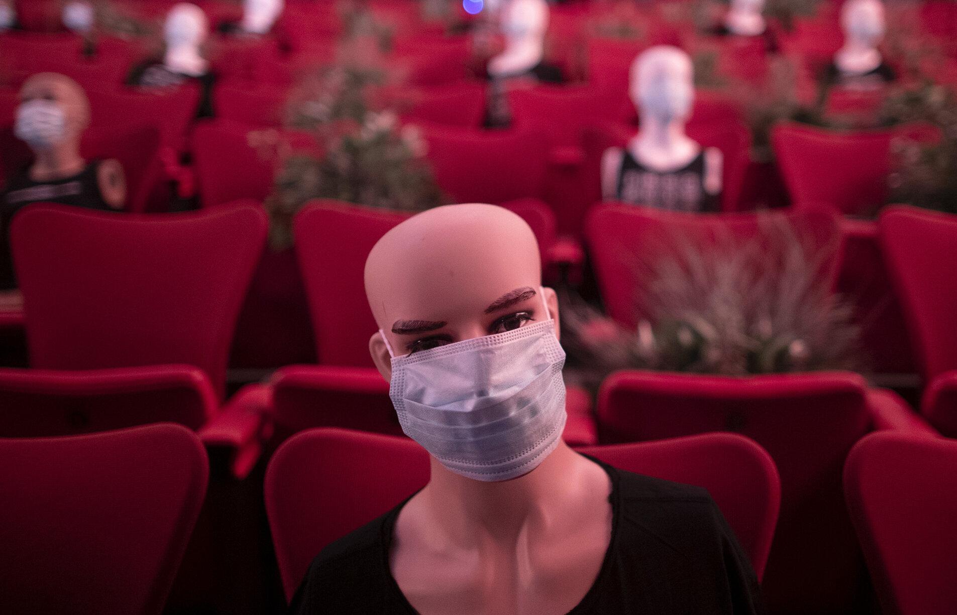 Editorial Marius Tucă. Pandemie de închis teatre