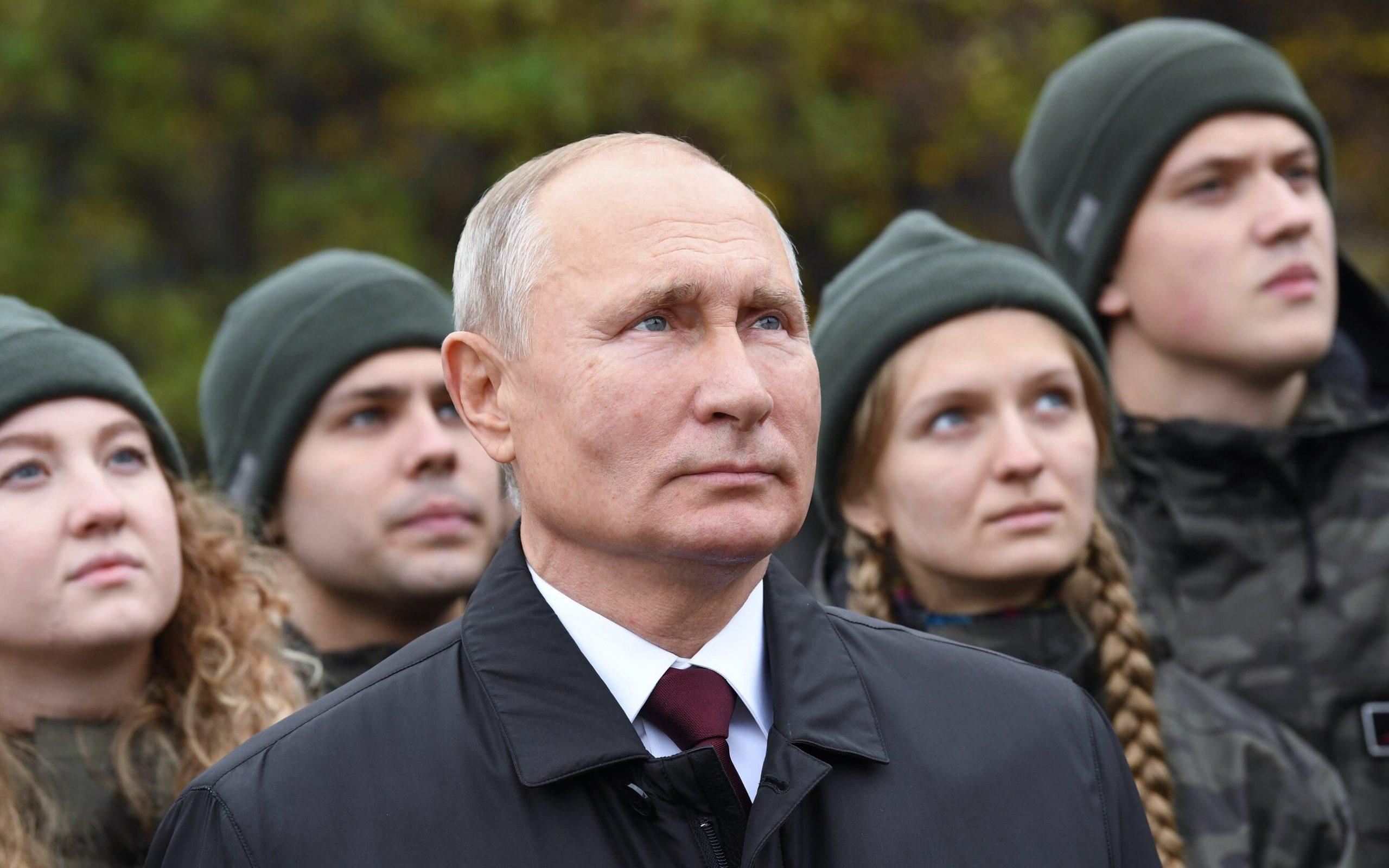 """Eficiență de 95% pentru vaccinul rusesc. Putin nu s-a vaccinat încă, nu poate fi """"voluntar"""""""