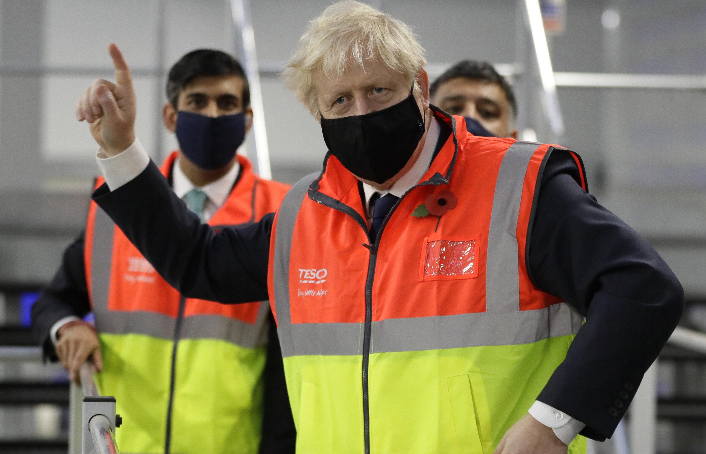 UK| Cei care intră în contact cu un bolnav Covid NU mai intră în carantină, dar sunt testați zilnic, timp de 7 zile