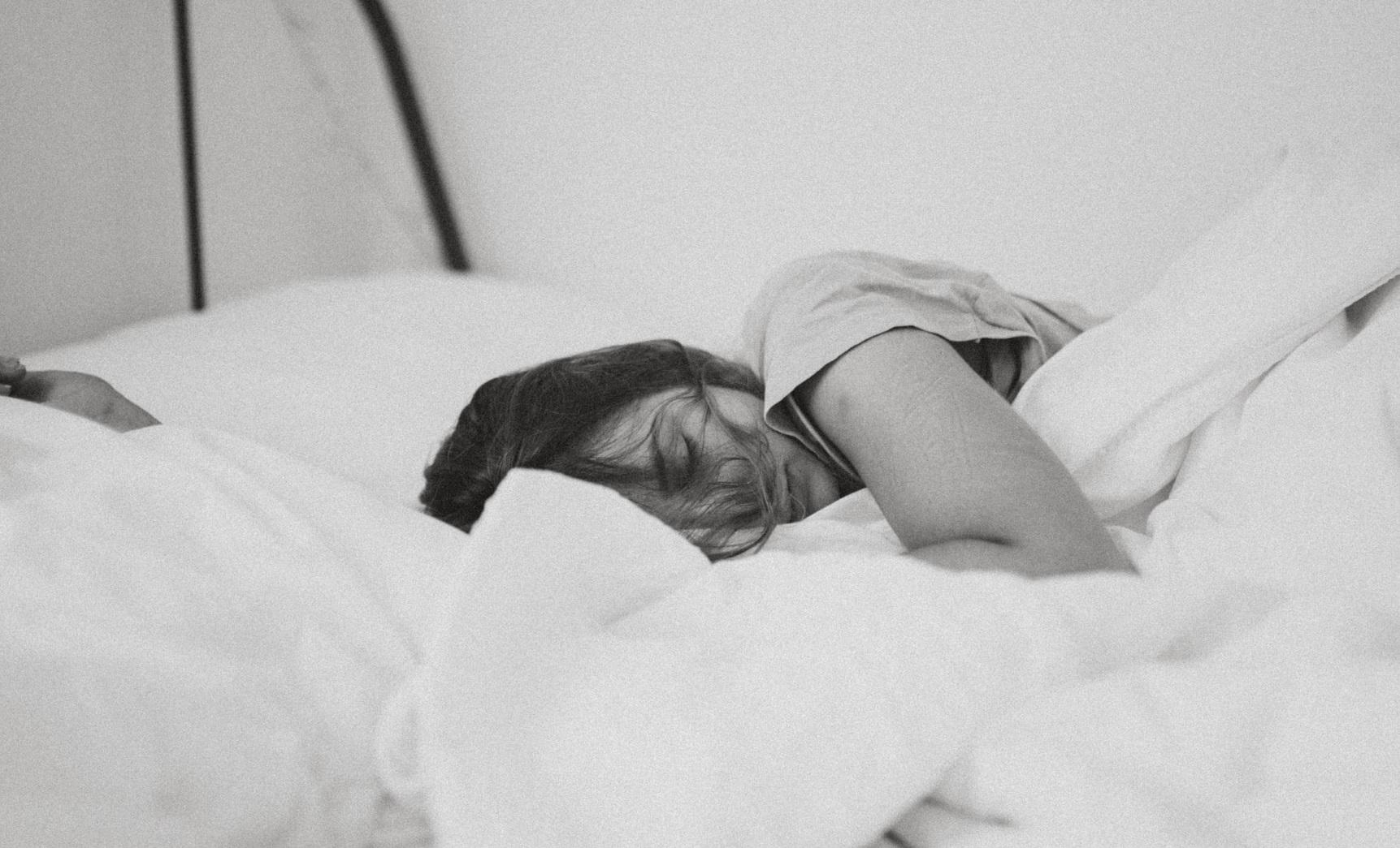 """""""Medicament"""" miraculos împotriva Covid: somnul. """"Menține eficiența funcției imunitare și reglează metabolismul"""""""
