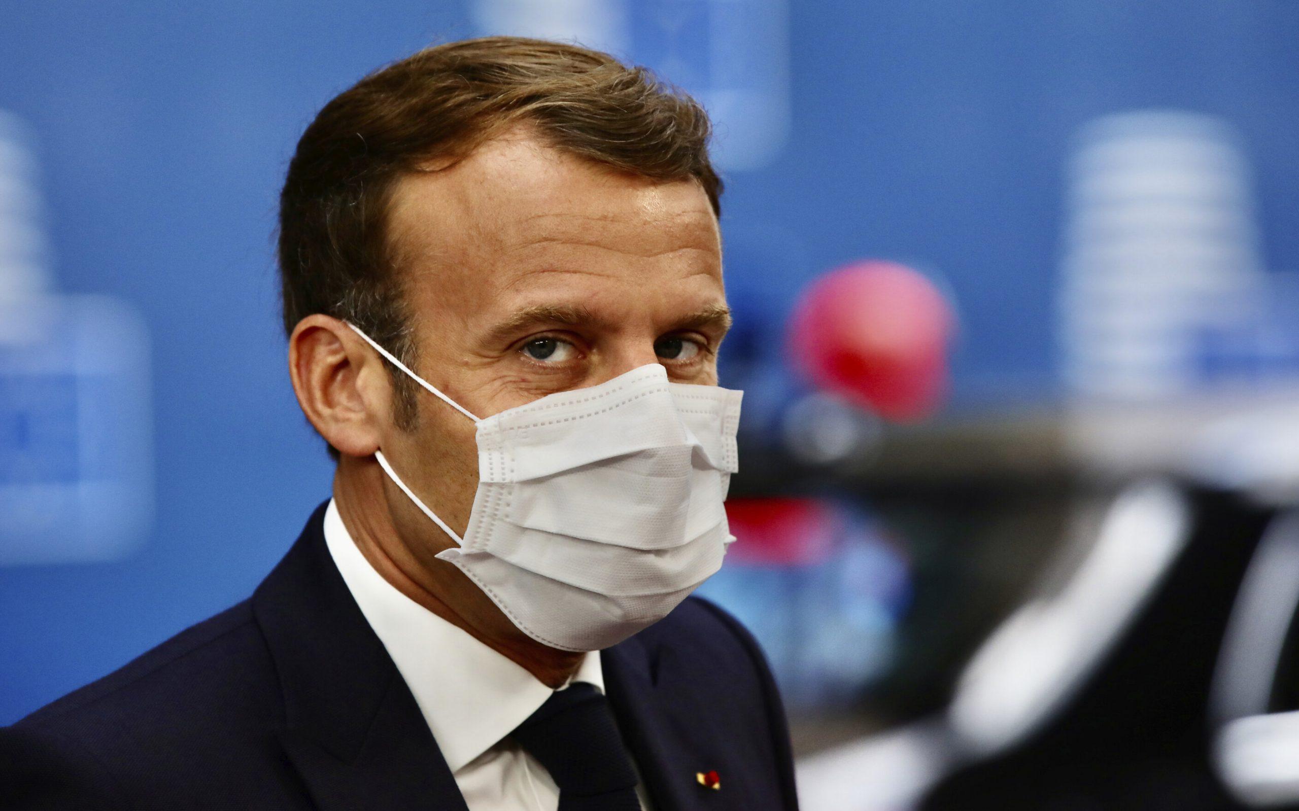 Macron, vindecat de Covid după numai șapte zile. La timp pentru Crăciun