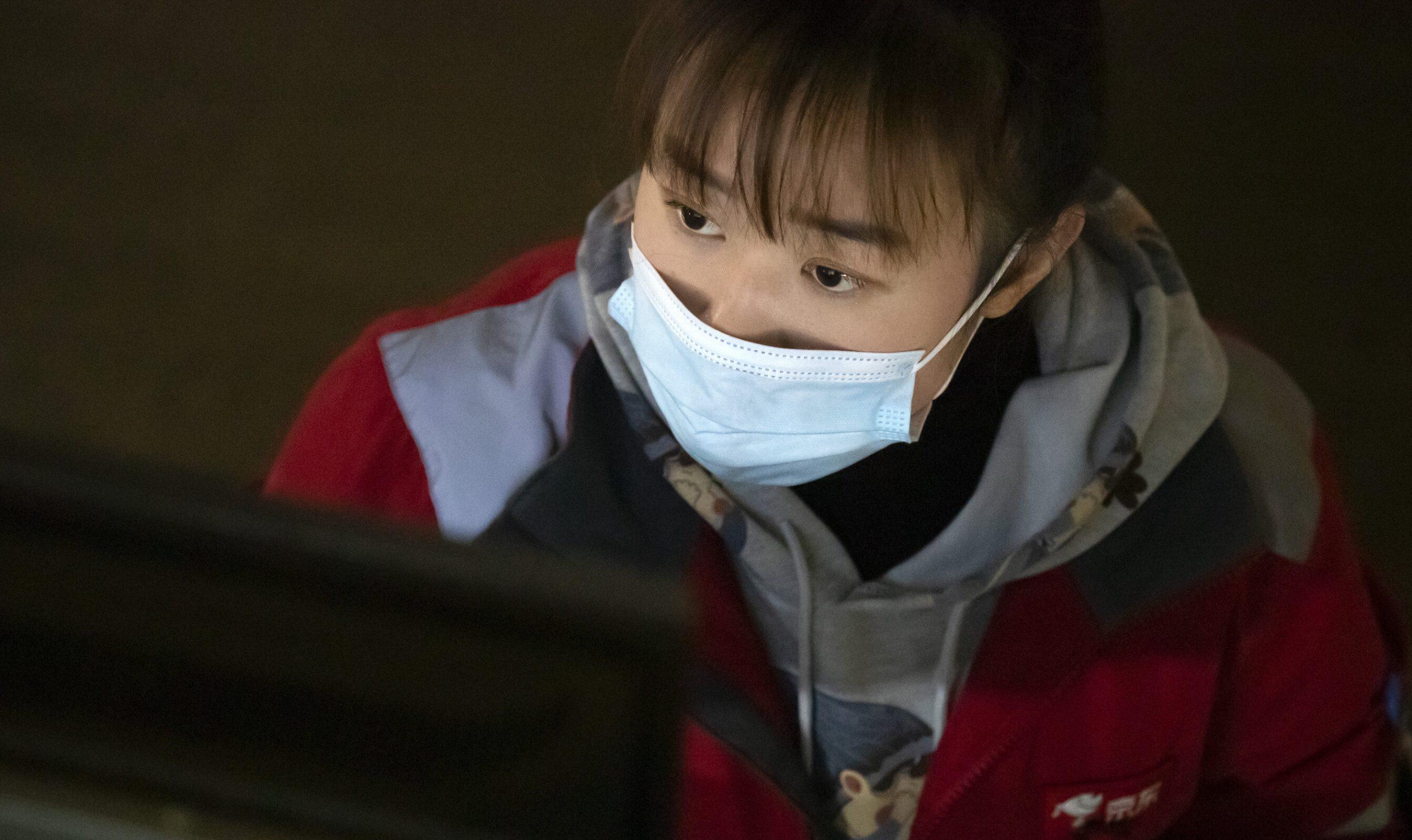Retur| Noua tulpină din Marea Britanie a ajuns în China